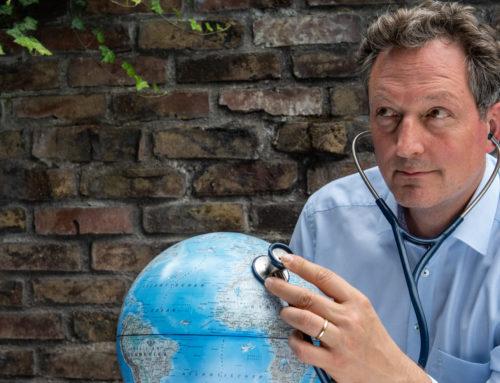 Eckart von Hirschhausen im Interview mit der Bildungslotterie